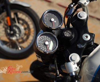 Royal Enfield Continental GT 650 - Dash