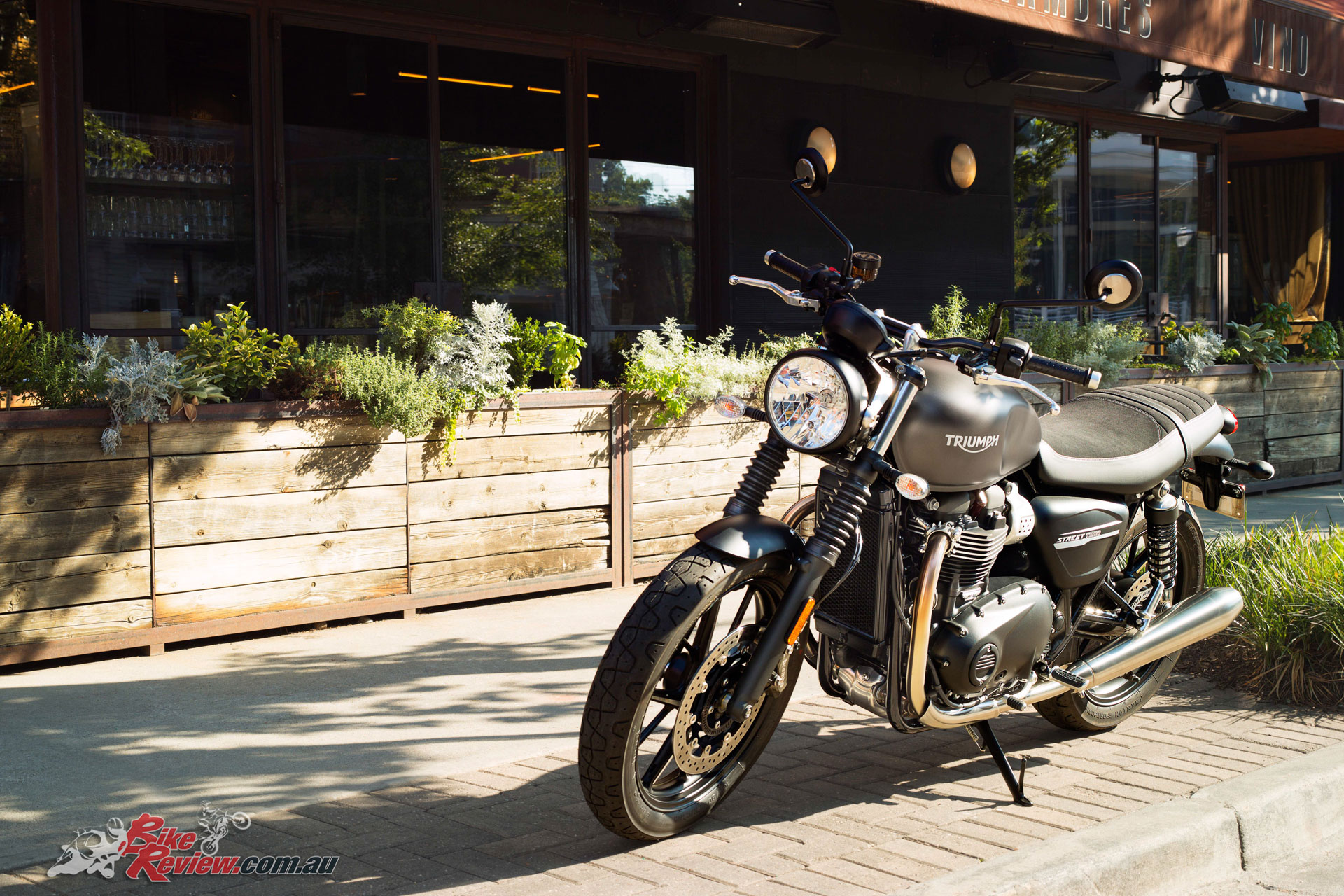 Model Update 2019 Triumph Street Twin Bike Review