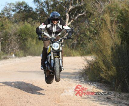 AGV Sport Modular Scrambler 1100 Ware Bike Review