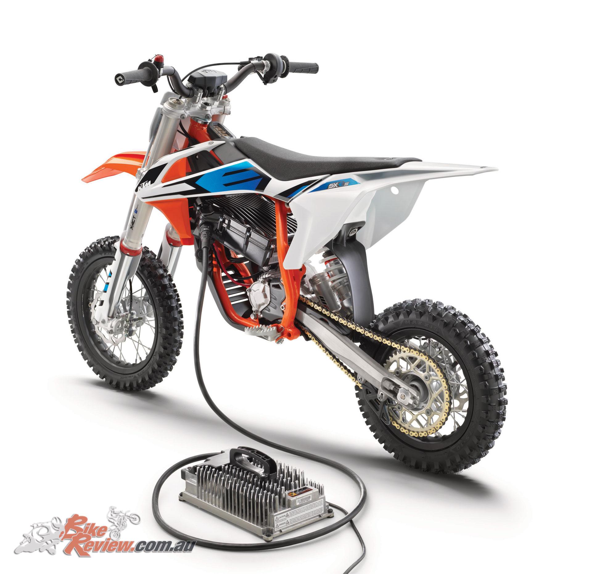 2019 KTM SX-E 5