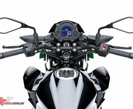 2019 Kawasaki Z400 LAMS - Front controls, bars, dash