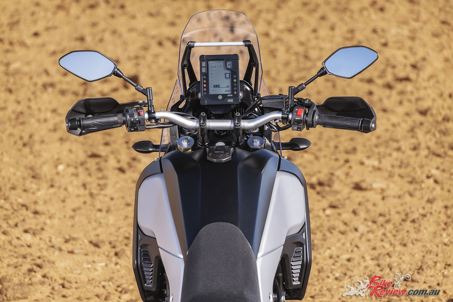 2019 Yamaha Tenere 700 - Generous cockpit space with a thin tank