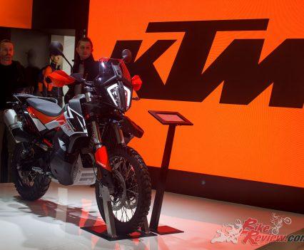 EICMA-2018-KTM-790-9811
