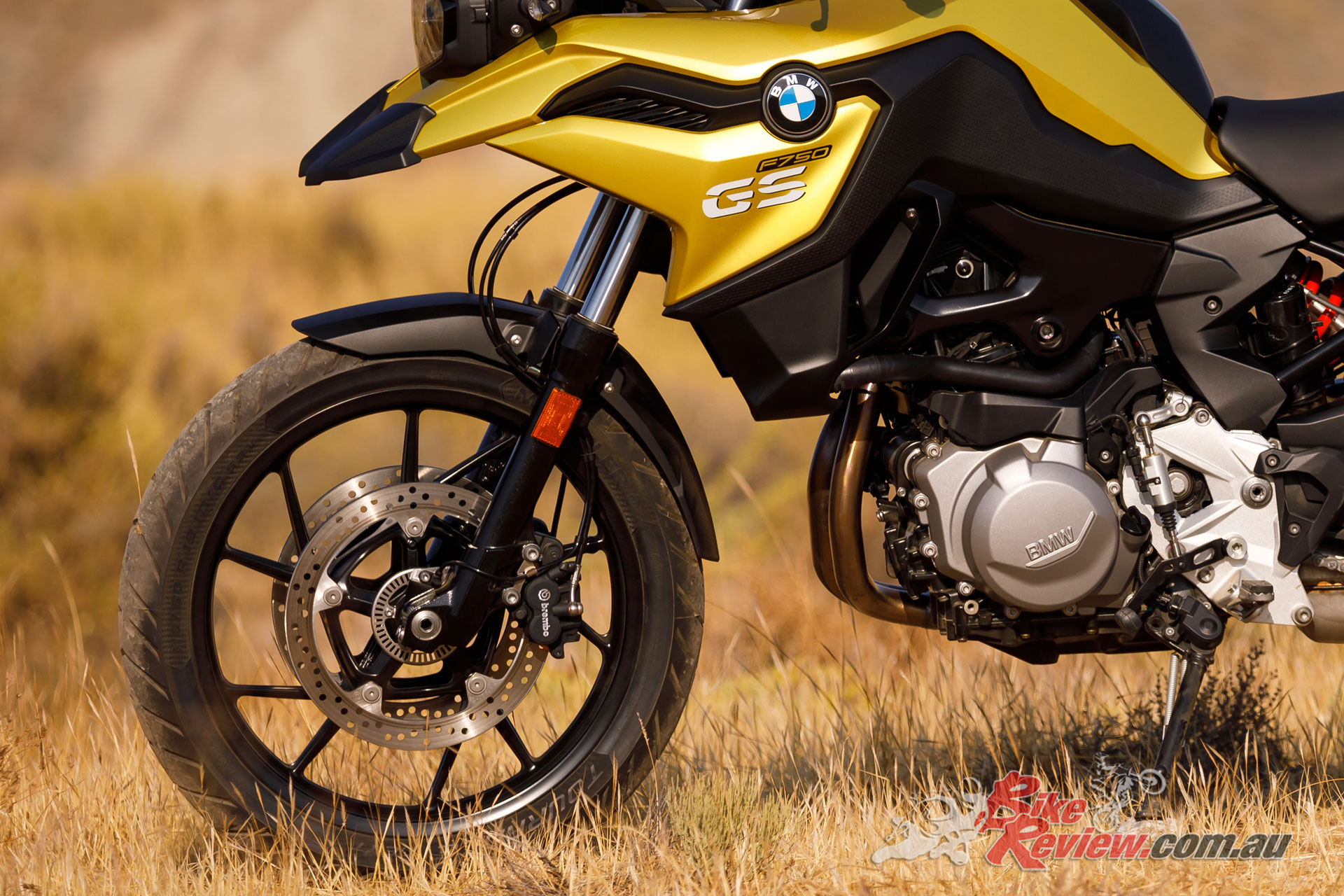 Braking performance on the tar is adequate, but delivers all you'd want on the dirt