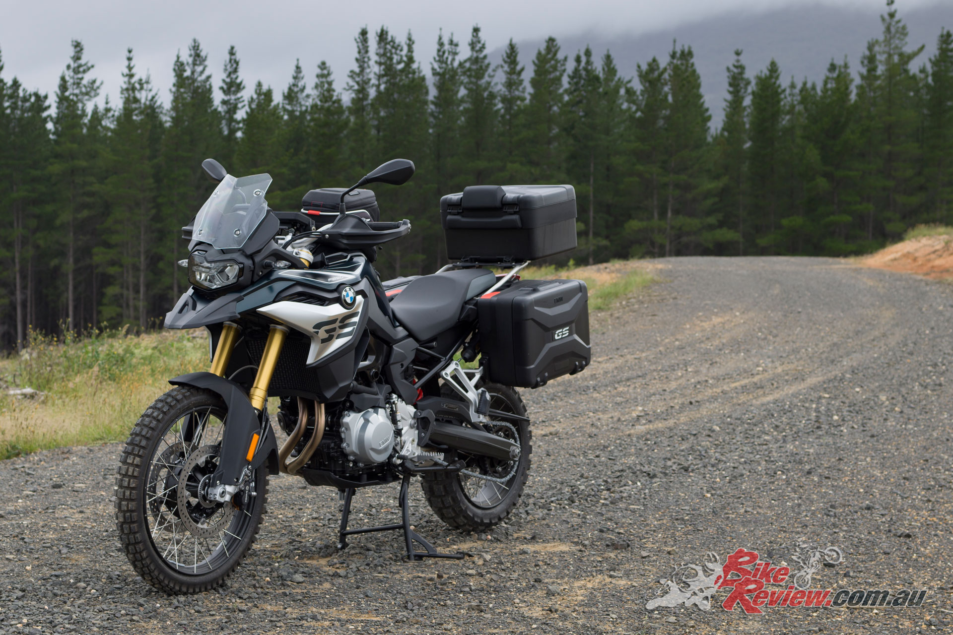 2019 BMW F 850 GS in full touring kit