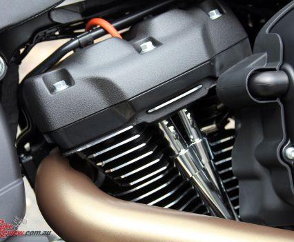 2019-Harley-Davidson-FXDR-Bike-Review-MJK3738