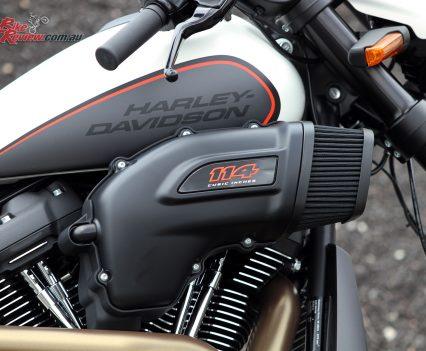 2019-Harley-Davidson-FXDR-Bike-Review-MJK3916