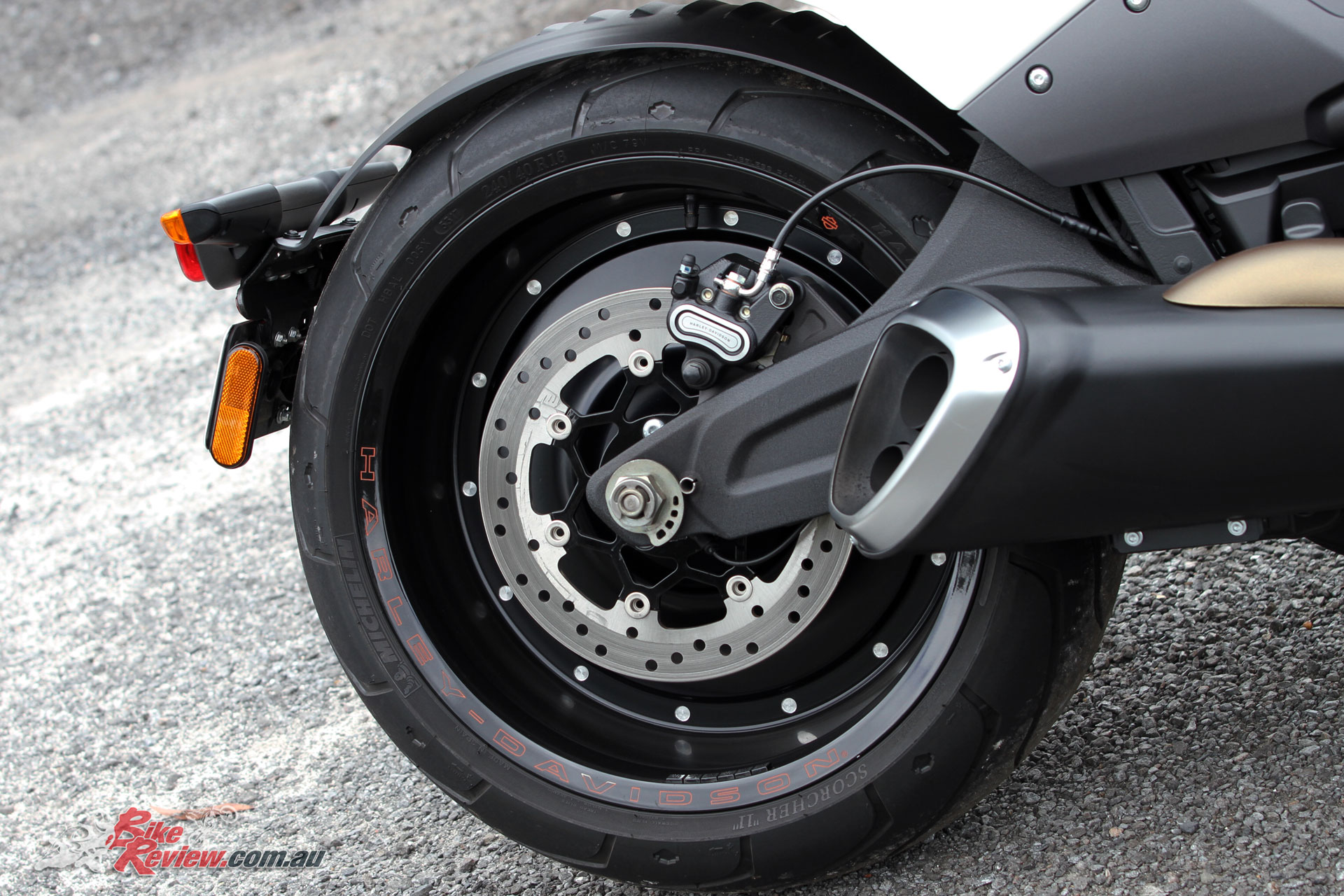 The solid rear wheel is adorned by a powerful disc brake with dual piston caliper