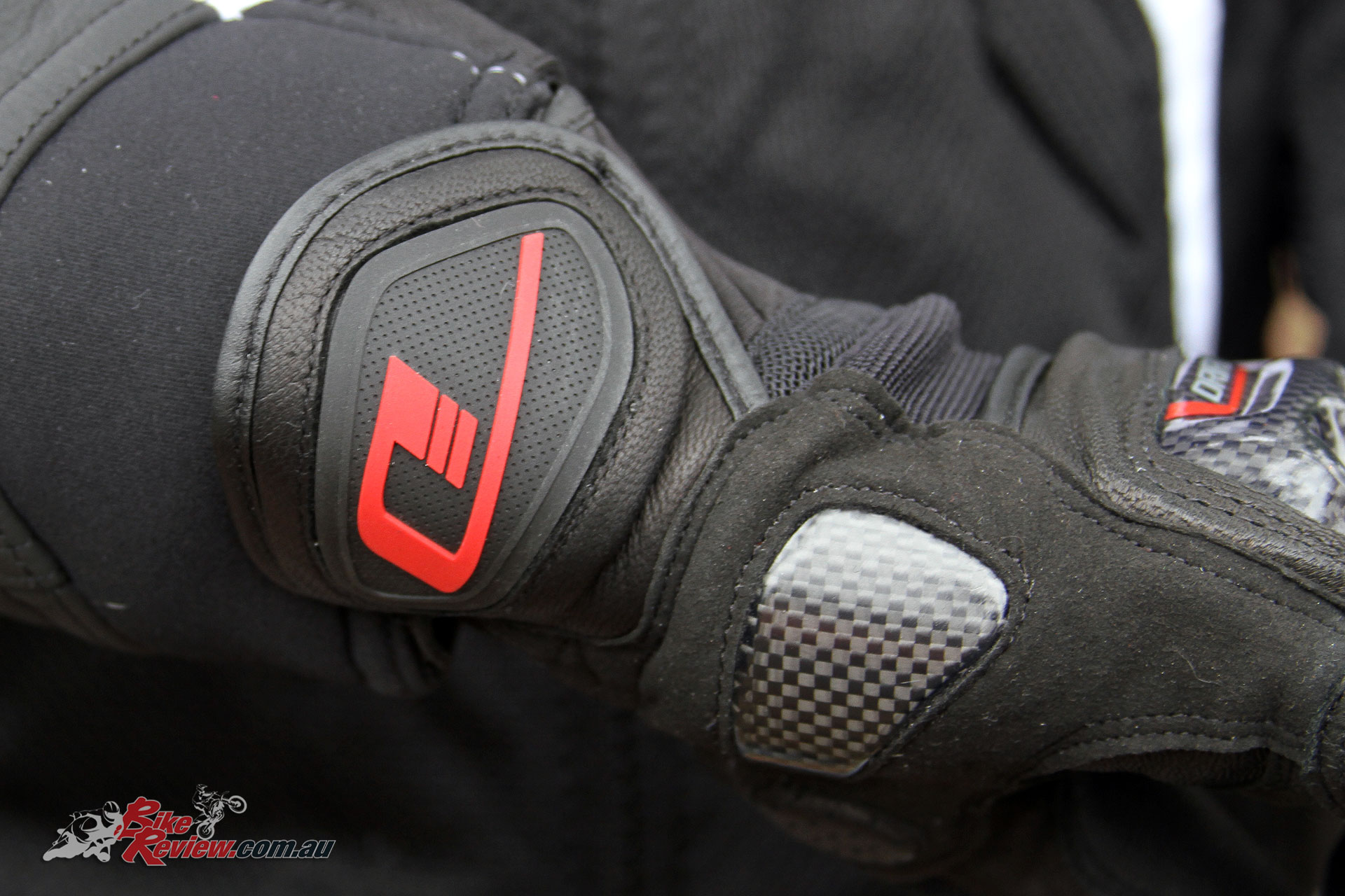 Dririder Strike Glove - Wrist protection
