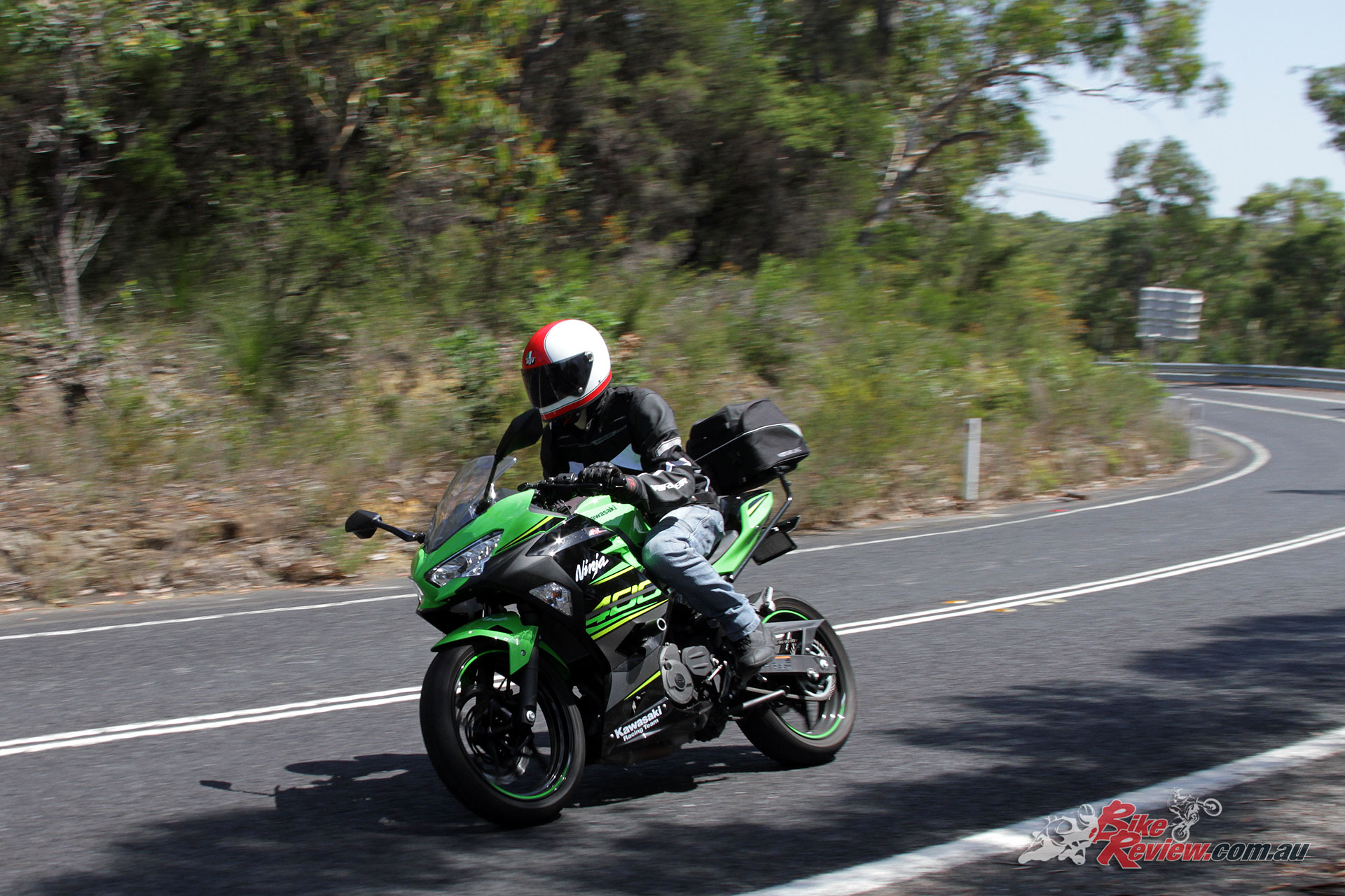 The Ninja 400 fueling on a closing throttle could do with some refinement, although whether that's something Kawasaki are able to do with the super strict emissions regulations these days in another question!