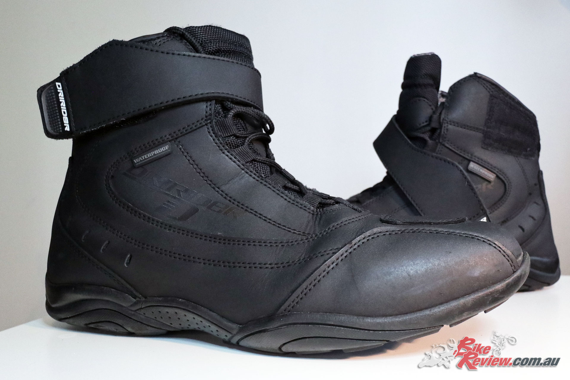 The boot sole offers strong grip and is showing no signs of wear despite daily riding.