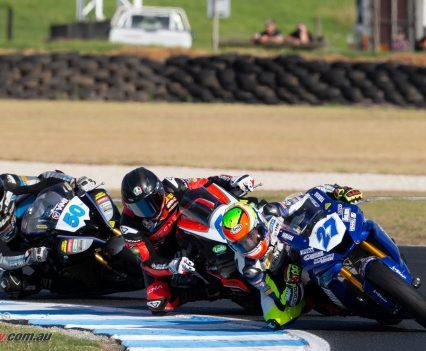Tom Toparis dominated ASBK Supersport Races 1 & 2 - Images by TBG Sport