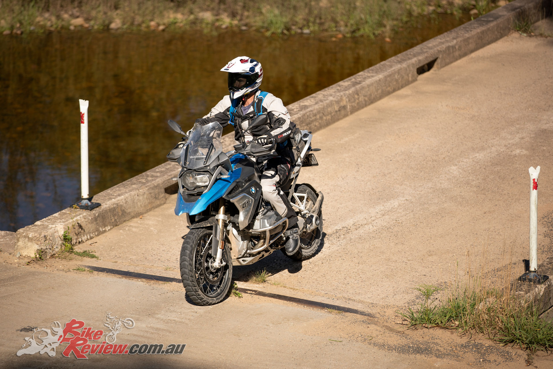 The R 1250 GS has a clear advantage over the F 850 GS, with a more stable and neutral handling characteristic