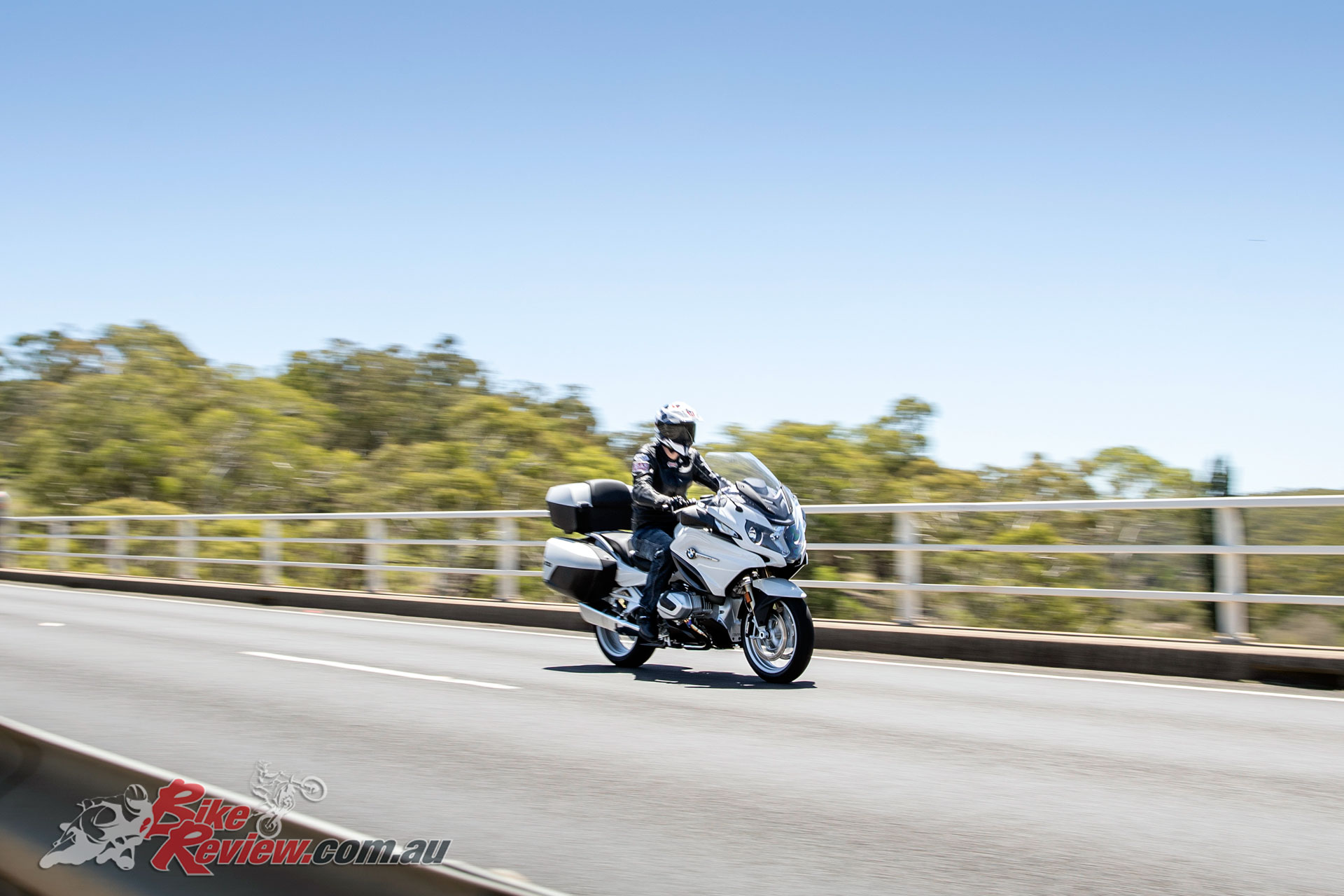 The R 1250 RT also features the Comfort, Touring and Dynamic packages as standard for a long list of standard inclusions