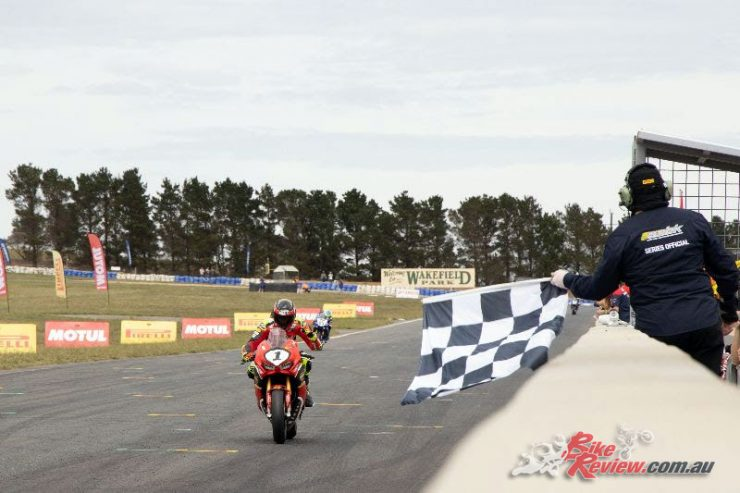 Troy Herfoss claims Kawasaki Superbike Race 1 victory at Wakefield - Image by TBG Sport