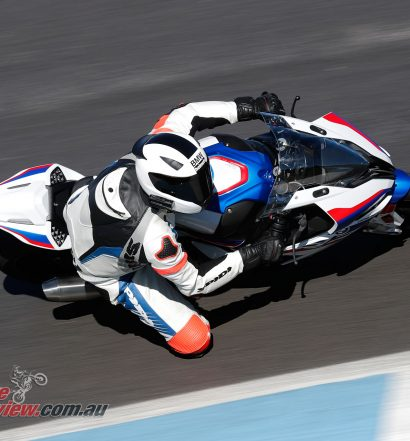 The long fast final turn onto the straight was stunning to experience on the S 1000 RR, really highlighting the electronic controls of the bike.