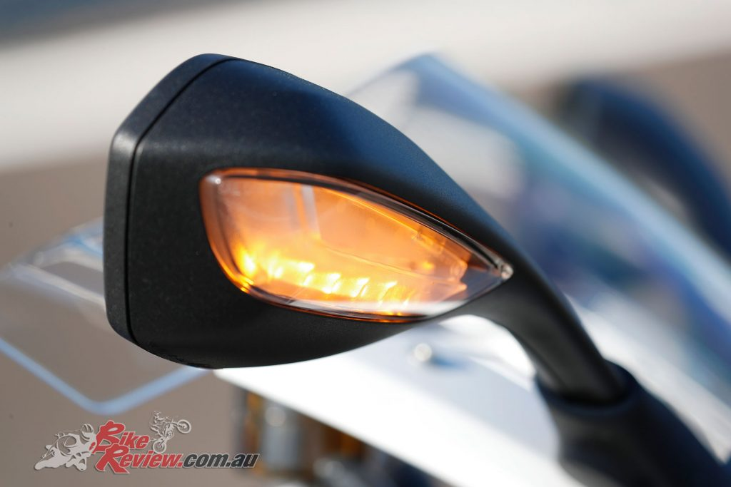 2019 BMW S 1000 RR - Mirror with integrated indicator