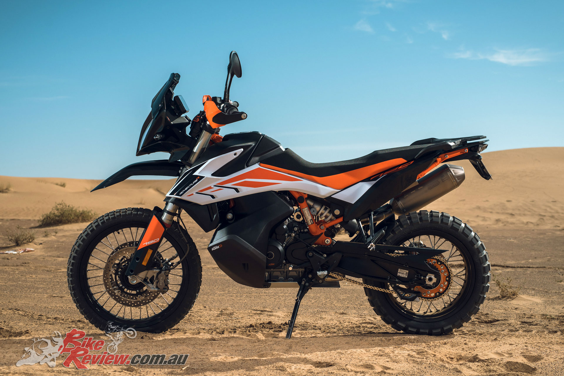 The 790 Adventure R also stands out for longer suspension travel, and the ensuing taller seat height
