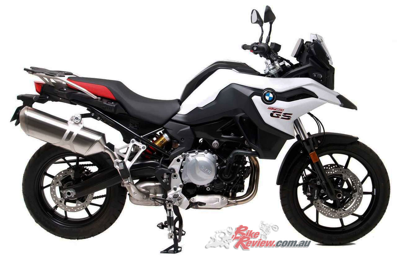 BMW F 750 GS fitted with the Ventura L-brackets and mounting plate