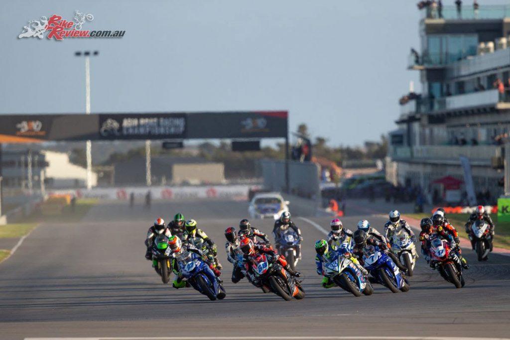 Australian Supersport Start - Image by TBG Sport