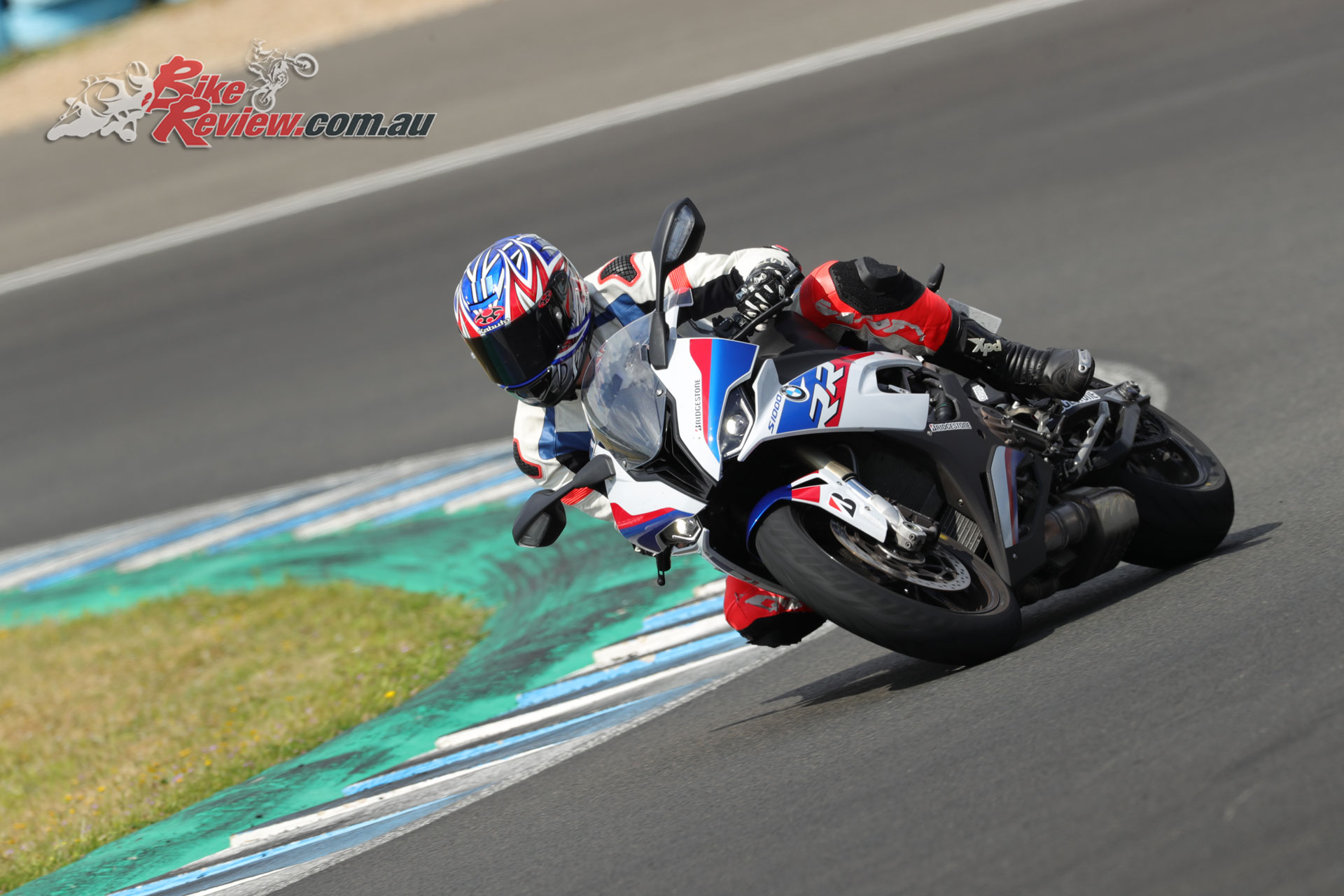 With 200hp sportsbikes on offer as conditions dried the S22s had the opportunity to shine in ideal conditions