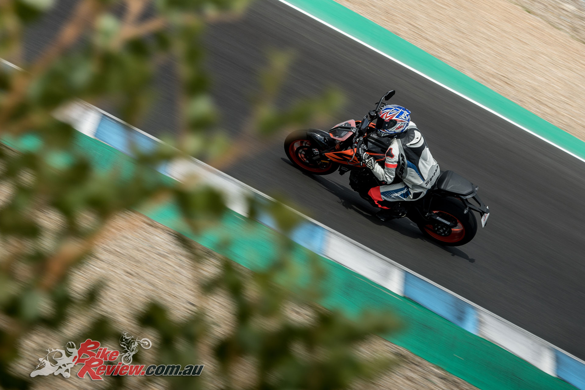 Jerez offered the opportunity to properly test the new Bridgestone Battlax S22, with wet, drying and dry conditions