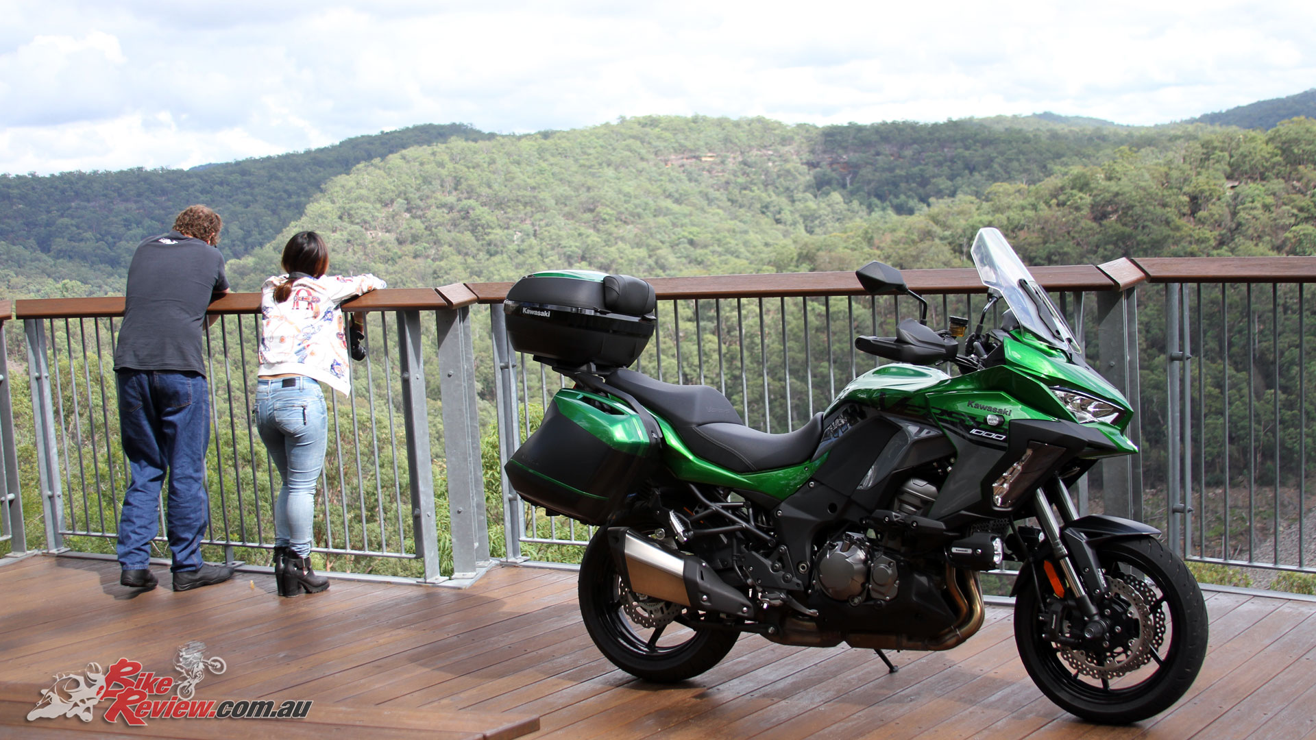 The Versys 1000 SE makes an ideal two-up sports-tourer with significant character changes at the flick of a button