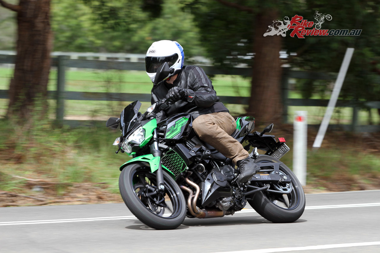 Good luck keeping your licence on the Z400 if you lack self control like I do!