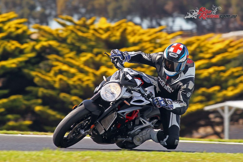 The brilliant connection between the throttle and the rear tyre makes the Brutale 800RR that extra bit more special on the track.