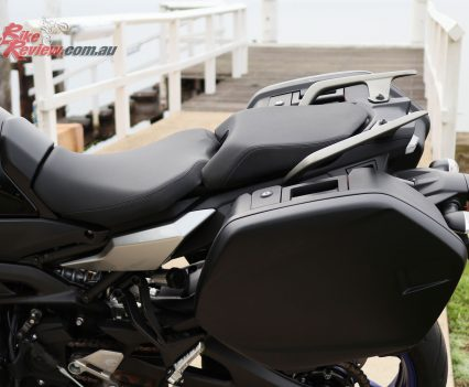 2019 Yamaha Tracer 900 GT seat and grab rails