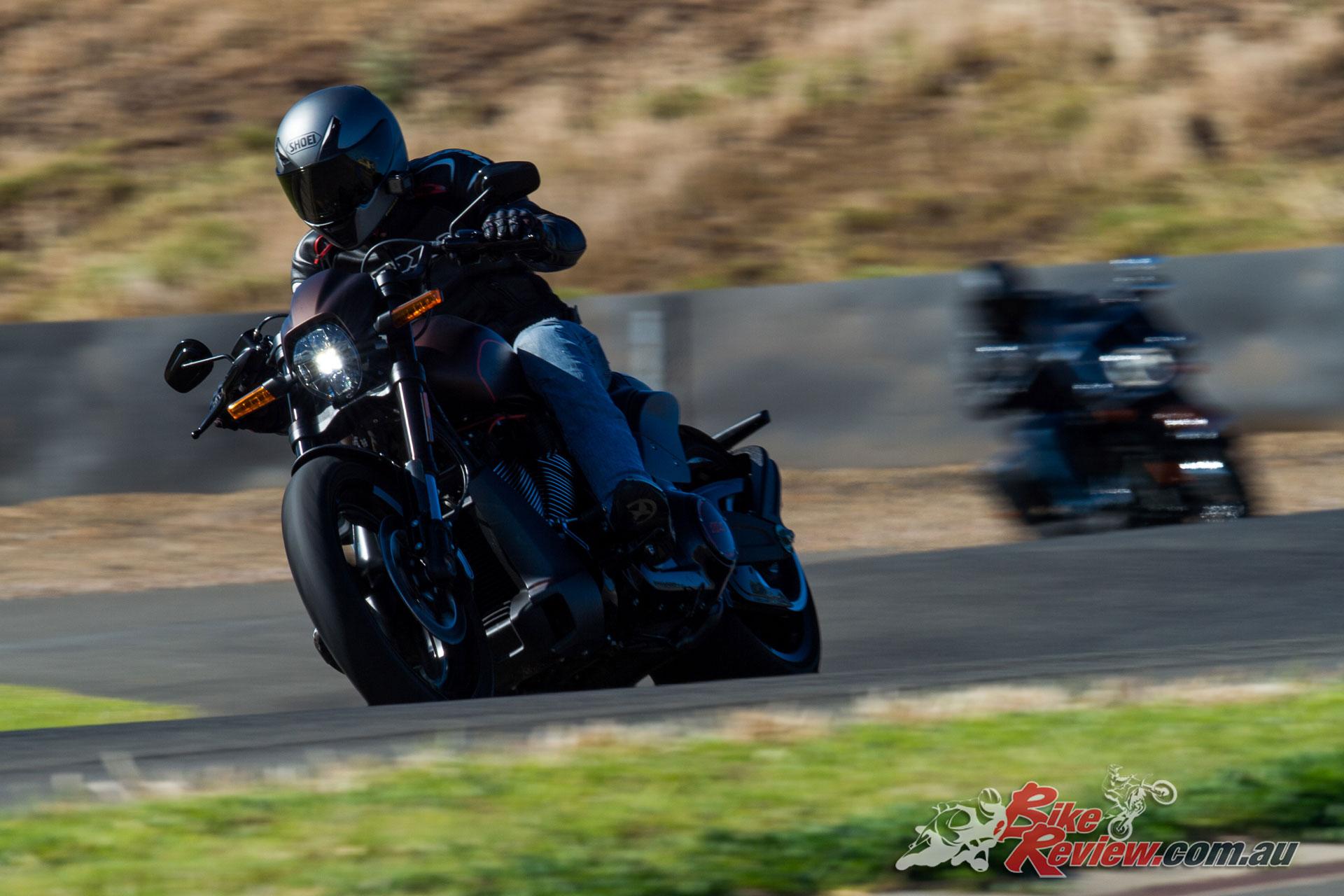 2019 Harley-Davidson Softail Tour - FXDR 114