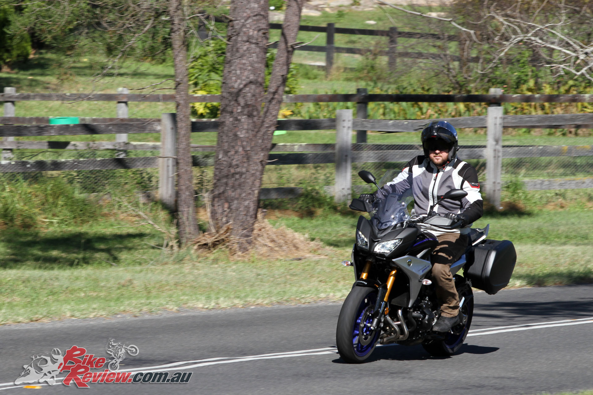 Tremendous Review 2019 Yamaha Tracer 900 Gt Bike Review Lamtechconsult Wood Chair Design Ideas Lamtechconsultcom