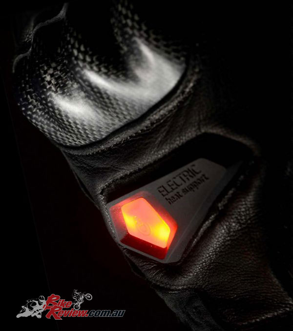 Macna Neutron Heated Glove