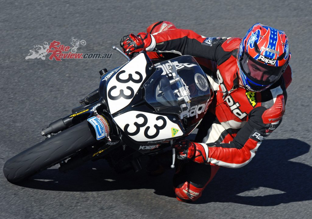 Rennie on our Rapid Bikes FZ6 Cup bike at Symmonds Plains in 2008.