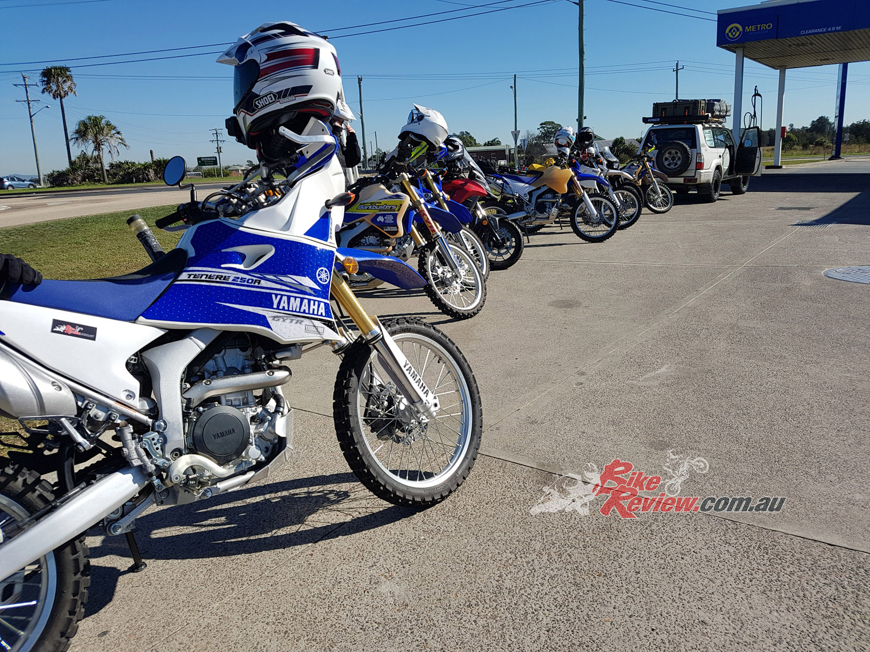 The WR250R is good on the road. This is near Stockton, after a 200km road ride that was comfortable and too easy.