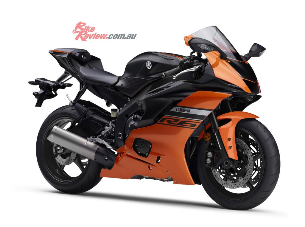 The 2020 YZF-R6 shown in Vivid Orange Matt Black.