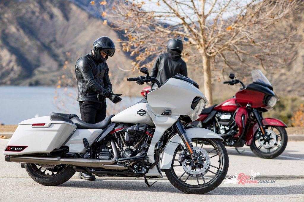 The CVO Road Glide makes a return this year as Harley Davidson's high-performance touring motorcycle, playing host to tonnes of features!