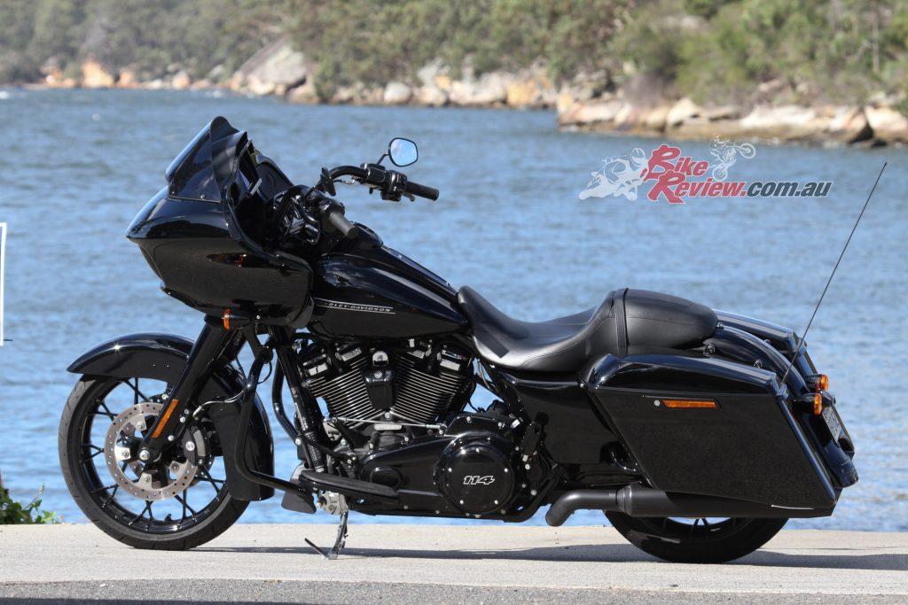 Where the Road Glide Special is impractical as a daily ride, it more than makes up for as a tourer and up in the local hills, two places it is meant to be and shines in...