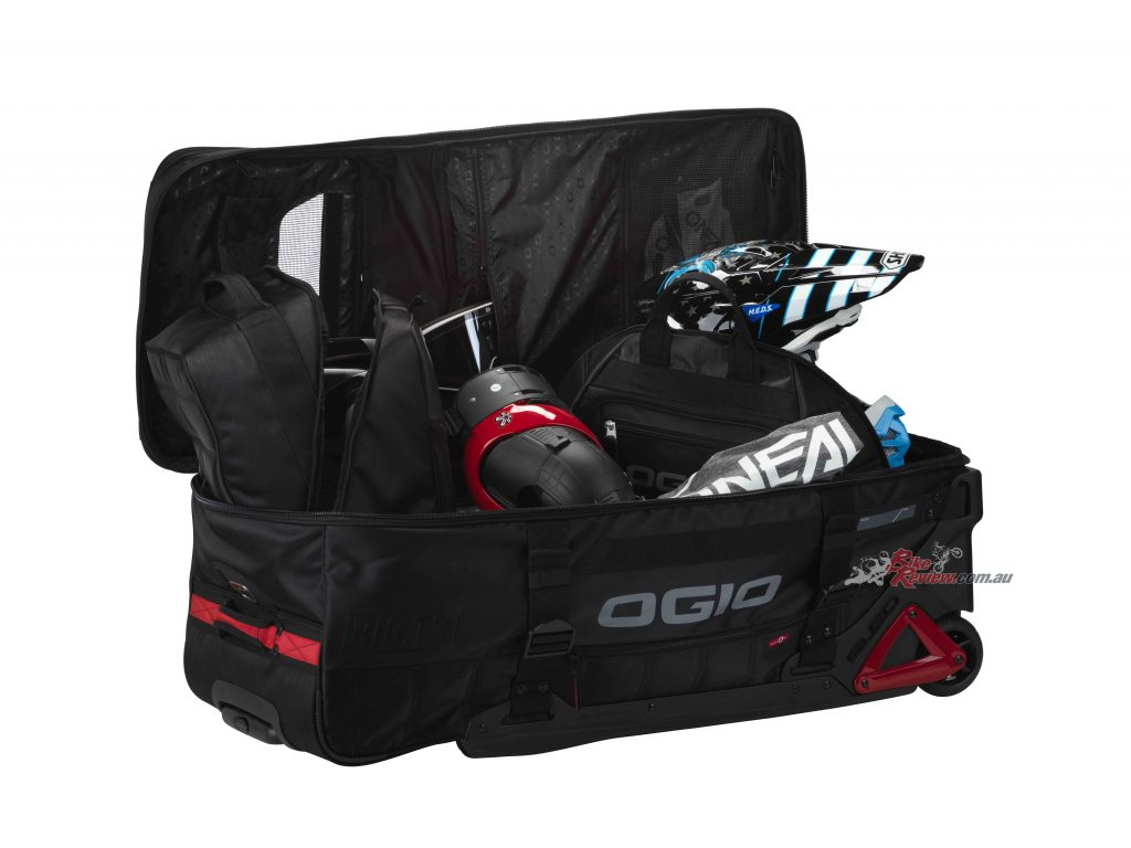 Ogio claims the Rig T-3 is destined to become an instant classic and is must have equipment for any serious rider!