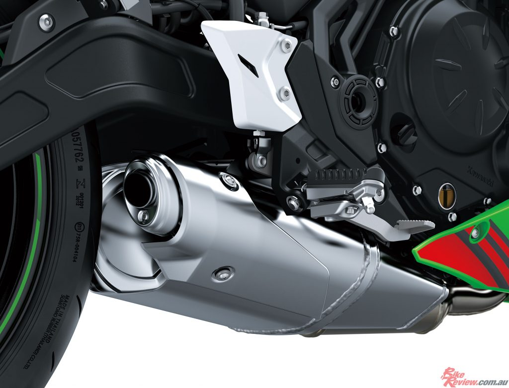 A number of changes to the intake and exhaust system components were made for compliance with Euro4 regulations.