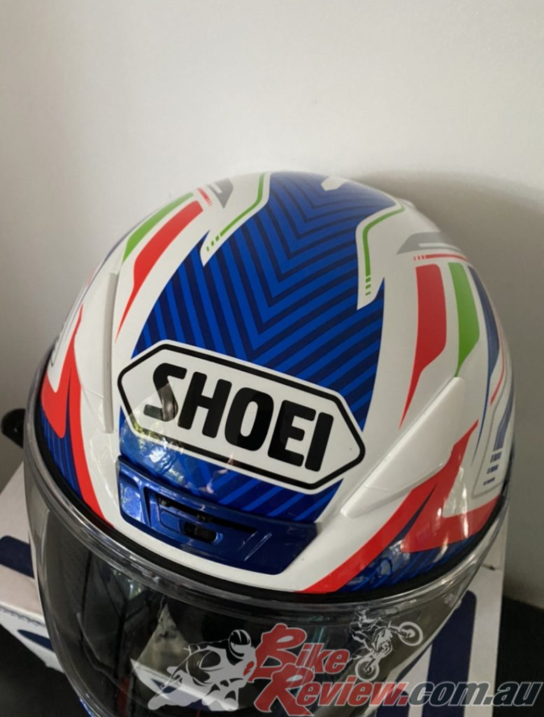The finish on the Shoei NXR lid is top quality and the Stab TC-2 Blue colourway looks brilliant!