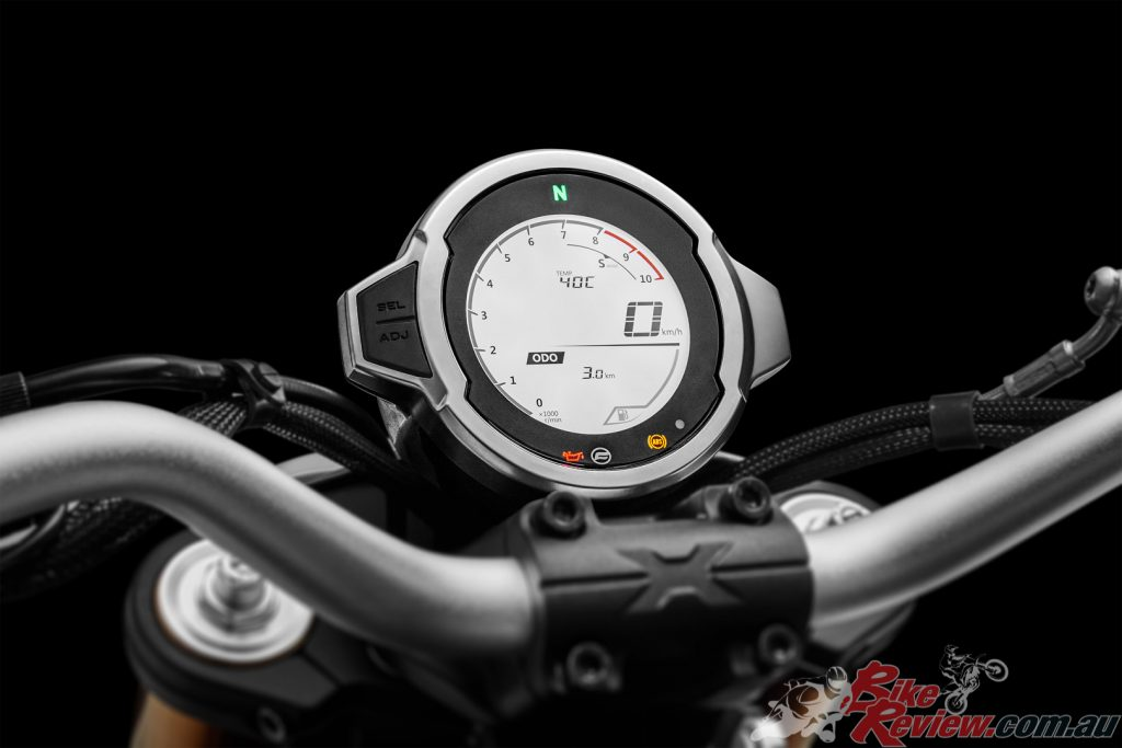 The round 75mm retro classic-style LCD dash provides simple and real riding information.