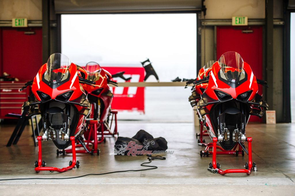 The Ducati engineers defined a play book for the new chassis that reduced the braking, torsional and lateral stiffness when compared to the V4 R.