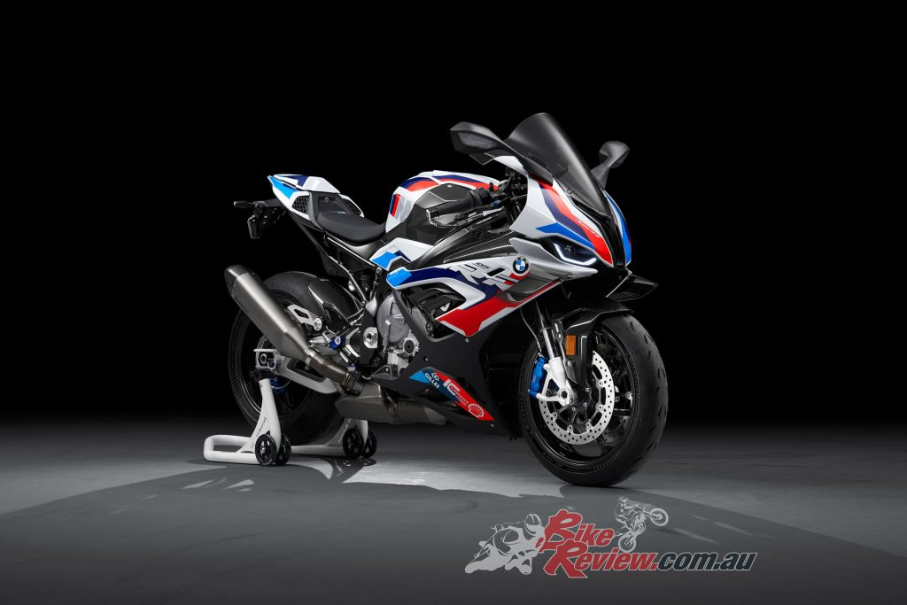 The M 1000 RR produces 156kW@14,500rpm, while maximum torque is at 113Nm@11,000rpm.