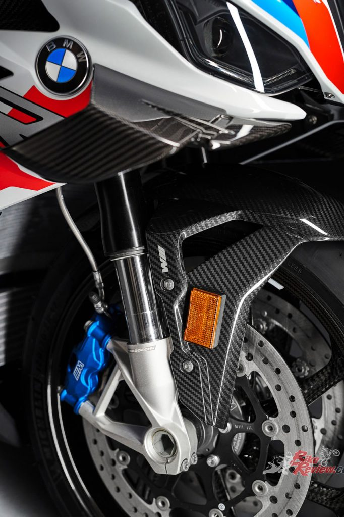 The M 1000 RR is fitted with the M brake system which comes straight from WorldSBK.