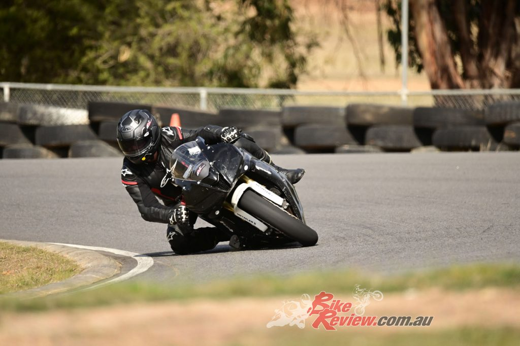Taka Nagata did two full track days on the TD SLICKS at very fast pace to put them to the ultimate test for us. The results are very promising.