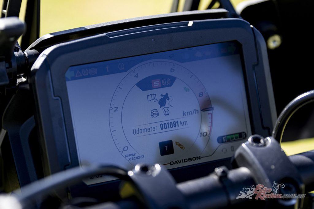 The 6.8in TFT display has Bluetooth connectivity, is touchscreen and glove friendly and easy to navigate. Navigation is available via the free Harley-Davidson App.